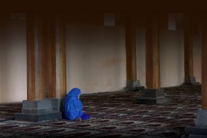 Woman praying inside Jamia Masjid, India by flowcomm on Flickr